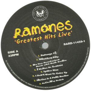 ramones-greatesthitslivelabelaa
