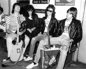 Ramones-Bob-Gruen-Subway-1975