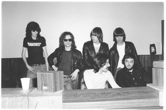 RamonesFirstAlbum